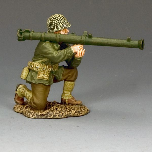 DD312 Kneeling Bazooka Guy